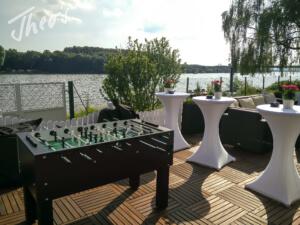 Geburtstag_Zelt_outdoor_Terrasse_lounge_dyckerhoff_geburtstag_stine-10