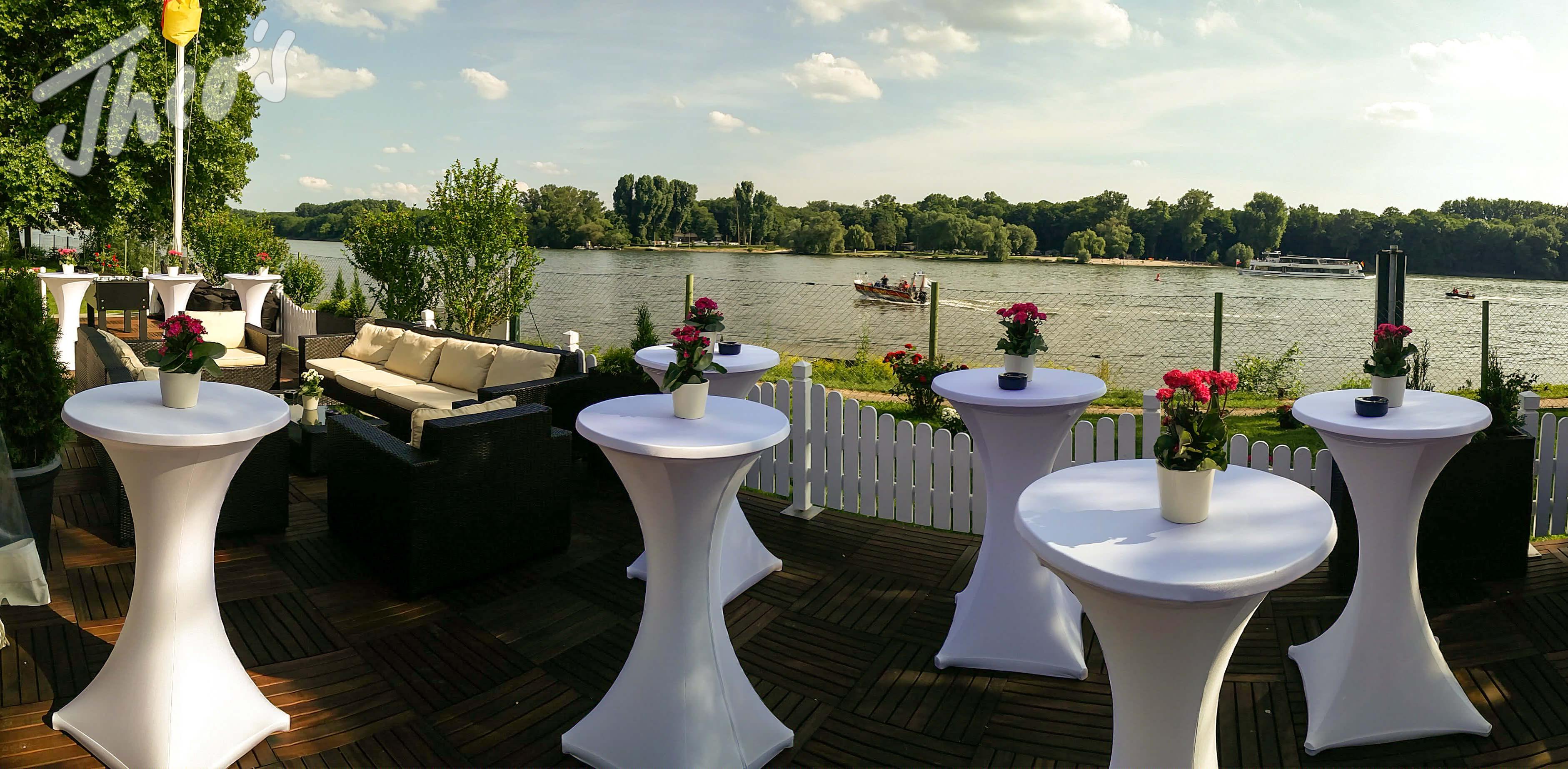 Geburtstag_Zelt_outdoor_Terrasse_lounge_dyckerhoff_geburtstag_stine-17