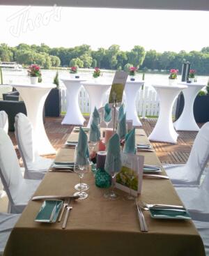 Geburtstag_Zelt_outdoor_Terrasse_lounge_dyckerhoff_geburtstag_stine-4