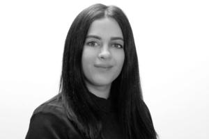 Julia Zerr
